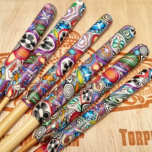 Love Handle Crochet Hook - Bamboo, Various Sizes - Graffiti
